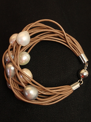 #B199MOM Mocha Leather Bracelet with Mixed Freshwater Pearls