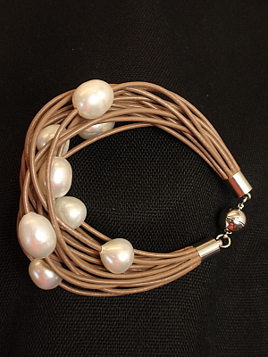 #B199MOW Mocha Leather with Freshwater Pearls Bracelet