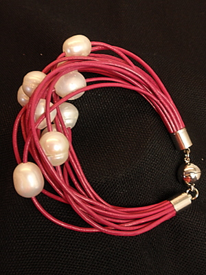 #B199PIW Pink/Raspberry Leather Bracelet with White Freshwater Pearls