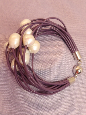 #B199PUW Purple Leather Bracelet with White Freshwater Pearls