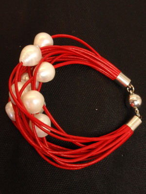 #B199RW Red Leather Bracelet with White Freshwater Pearls