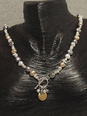 #F114 Silver and gold pearl necklace