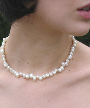 "#L39 16"" Teardrop pearl necklace"