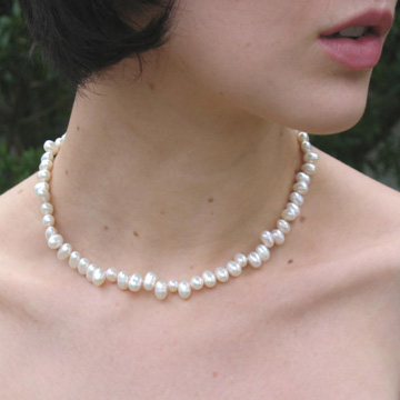 "#L39 16"" Teardrop pearl necklace"
