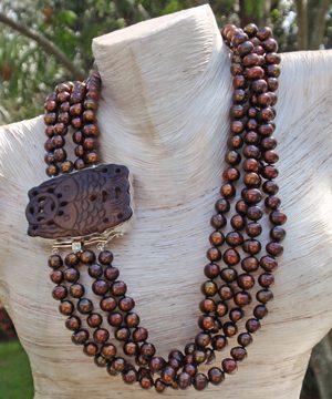 #LE128 Black nautilus shell pendant