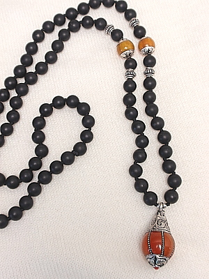 """#LE347G 30"""" 8mm Black Agate with Amber"""