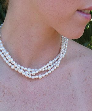 #WM50B Three strand pearl choker with extensions